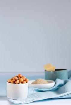 Hazelnoten, rietsuiker en boter / www.eenlepeltjelekkers.be