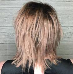 Shoulder-Grazing Flared Blonde Shag