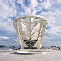 O Museu do amanhã, localizado no Rio de Janeiro - Brasil foi projetado pelo arquiteto Santiago Calatrava.    Museum of tomorrow, in Rio de Janeiro - Brazil. Designed by Santiago Calatrava Architect.