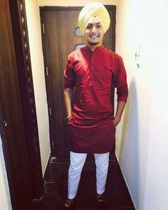 Nav jivan Trendy Mens Fashion, Indian Men Fashion, Mens Fashion Wear, Stylish Mens Outfits, Punjabi Kurta Pajama Men, Kurta Men, Boys Kurta Design, Red Kurta, Blazer Outfits Men