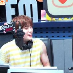 Lmfaooo I think he noticed how good his muscles were and just decided to cover them😂 blesss Jaehyun Nct, Let's Get Married, Valentines For Boys, Jung Yoon, Jung Jaehyun, Mingyu, Dimples, Taeyong, Nct Dream