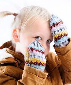 Lasten lapaset x 7 – katso ohjeet ja äänestä kivoimmat! - Kotiliesi.fi Knit Mittens, Knitted Hats, Fun Projects, Fingerless Gloves, Baby Knitting, Arm Warmers, Knit Crochet, Barn, Sewing