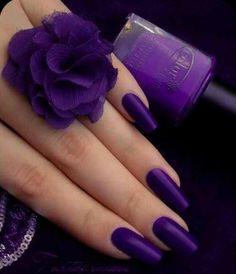 Anyone liking purple colour? I know I do! Try the simple, one shade purple nail polish =)