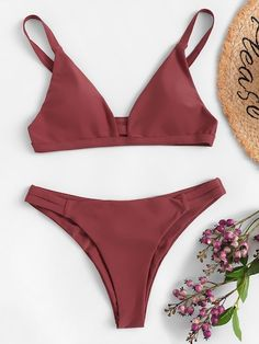 Shop Cut-out V-plunge Top With Ruched Bikini Set online. SHEIN offers Cut-out V-plunge Top With Ruched Bikini Set & more to fit your fashionable needs. Cute Swimsuits, Cute Bikinis, Women Swimsuits, Trendy Bikinis, Bikini Modells, Cut Out Bikini, Summer Bathing Suits, Cute Bathing Suits, Sport Outfit