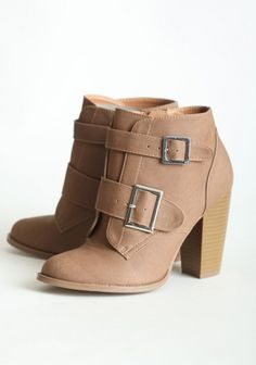 neutral ankle boot in winter and spring