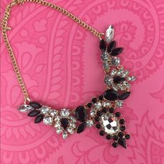 Lil+Lo Black & Clear Jewel Statement Necklace This beautiful statement necklace is perfect for a funky or elegant night on the town.  Lil+Lo brand. NEW 🚫NO TRADES🚫 🎀Discounts with bundles only🎀 Lil & Lo Fashion Jewelry Jewelry Necklaces