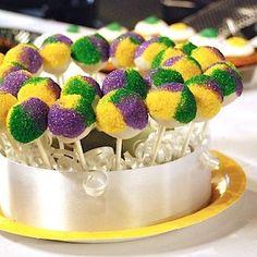Bubble Up Madi Gras Cake