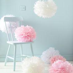 9er Set Seidenpapier PomPoms weiß rosa crème Hochzeit Party Deko. -> Sowas vielleicht als Deko hinter dem Brautpaartisch? Kann man die an der Decke dort aufhängen?