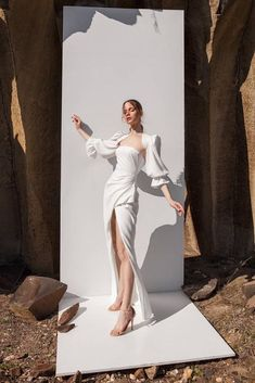 Puse Essence collection by Eva Lendel Vaughan, Ontario Editorial Photography, Photography Poses, Beauty Fotos, Creative Fashion Photography, To Infinity And Beyond, White Fashion, Editorial Fashion, Marie, Ideias Fashion