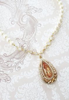 Swarovski Crystal Necklace with Swarovski Cream Pearl, Hollywood Glamor, Vintage Necklace, Wedding Necklace, Bridal Necklace, www.glitzandlove.com
