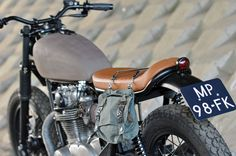 Welcome to Cafe Racer Design! We focus solely on showcasing the design of Cafe Racer Motorcycles. Cafe Racer is a term used for a type of motorcycle and the cyclists who ride them! Concept Motorcycles, Yamaha Motorcycles, Honda Cb750, Vintage Motorcycles, Custom Motorcycles, Custom Bikes, Yamaha 650, Yamaha Cafe Racer, Moto Cafe
