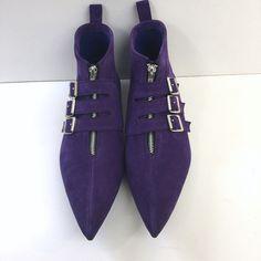3 Buckle Old School Boots in Purple Suede