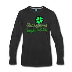 Sharing some Irish Luck - Schöne Shirts und Geschenke für alle Irland-Freunde und für diejenigen, die beim St. Patrick's Day kräftig mitfeiern. #sharing #irish #irishluck #ireland #luck #irisch #Irland #StPatricksDay #StPatricks #feier #party #fun #sprüche #glück #shirts #geschenke