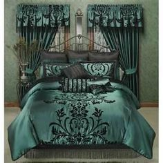 Bedroom : Luxury Green Bedding Set With Floral Pattern And Silk Material Exclusive Bedding Sets for Luxury Bedroom Comfy Bed Set. Home Bedding.