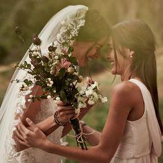 Soft, romantic details are perfect for a boho-chic affair.