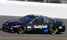 NASCAR CUP: Aric Almirola Fastest In Charlotte Motor Speedway Testing http://RacingNewsNetwork.com/2013/01/19/nascar-cup-aric-almirola-fastest-in-charlotte-motor-speedway-testing/