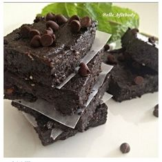 Ripped Recipes - Mint Chocolate Chip Brownie Bars - Minty No Bake Chocolate Chip Bars