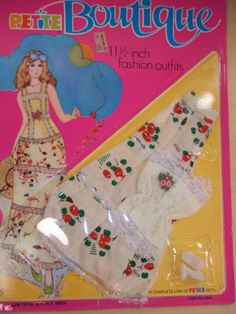 Vintage Barbie Clothes, Vintage Dolls, Doll Clothes, 1970s Dolls, Barbie Dress, Barbie Outfits, Bride Gowns, Petite Outfits, Barbie Collection