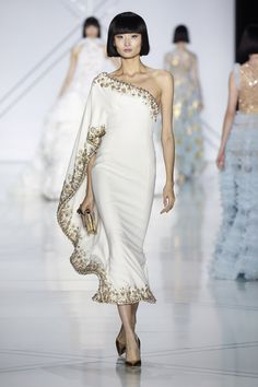 Gorgeous collection by Ralph & Russo. Definite nod to Elie Saab, though.