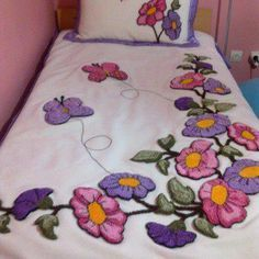 Grand Sewing Embroidery Designs At Home Ideas. Beauteous Finished Sewing Embroidery Designs At Home Ideas. Mexican Embroidery, Silk Ribbon Embroidery, Crewel Embroidery, Embroidery Designs, Designer Bed Sheets, Floral Bedspread, Learning To Embroider, Sewing Art, Punch Needle