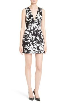 ALICE AND OLIVIA Patty Floral Lantern Dress. #aliceandolivia #cloth #