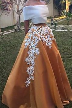 Two Pieces prom dresses White and Gold Prom Dresses Arabic Dubai Formal Evening Dress Applique Maxi Skirt Satin Crop Top Party Gown robe de soiree