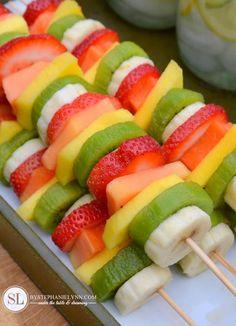 ¡Brochetas de fruta!                                                                                                                                                      Más