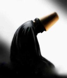 Beden bu dünyaya aittir.                  Ruh ise öteki alemden gelmiş, Bu alemde gariptir. Gariplere sahip çıkmak  Kur'an emridir.  Hz.Mevlana-Rumi