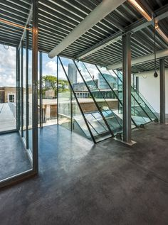 glass and steel rooftop extension added to the Royal Academy of Art