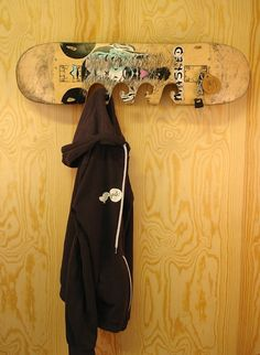 *hookboard*, An Upcycled Skateboard For Your Entrace Hall Holds Coats, Keys  And