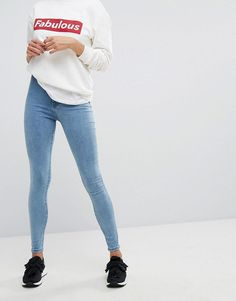 Get this Stradivarius's tregging now! Click for more details. Worldwide shipping. Stradivarius Super High Waist Treggings - Blue: Jeggings by Stradivarius, Stretch denim, Super-high-rise waist, Mid wash, Functional pockets, Super skinny fit - cut closest to the body. Launched back in 1994 with its iconic treble clef logo, Spanish label Stradivarius' line of clothing, footwear and accessories moves to its own beat. Influenced by developing international trends, the brand�s selection of…