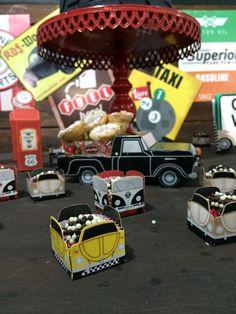 Festa Posto Garage Vovô Roberto 71 anos de estrada - feito por mim. Bolos Thiengo +55 21 99190-7650 Guloseimas - vovó Heloisa