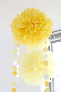 Yellow party decor http://media-cache-ec0.pinimg.com/originals/55/b1/e2/55b1e224b7206719dadd3d739cf7ddb8.jpg