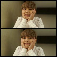V on vlive in Macau ❤ He is so squishy OMG #BTS #방탄소년단