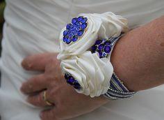 Brooch Bouquets, Titanic, Class Ring, Facebook, School, Jewelry, Jewlery, Jewerly, Schmuck