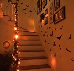 25 Pieces Of Halloween Decor You Can Buy On Amazon Cheap Halloween Costumes, Cute Halloween, Halloween Themes, Halloween Decorations, Halloween Outfits, Diy Costumes, Cute Locker Decorations, Living Room Decor Cozy, Cozy Living
