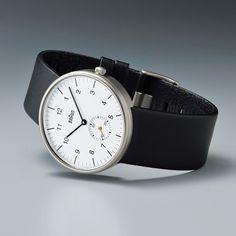 Braun watch, by Dieter Rams. Cool Watches, Watches For Men, Casual Watches, Braun Dieter Rams, Men Accesories, Luxury Watches, Mens Fashion, Industrial Design, Clocks