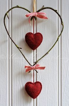 Decorative heart made of birch twigs tied with woven red and white ribbon with hanging red felt hearts Valentines Day Decorations, Valentine Day Crafts, Be My Valentine, Christmas Crafts, I Love Heart, Happy Heart, Heart Crafts, Felt Hearts, Heart Art