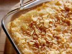 Funeral Potatoes recipe from Ree Drummond via Food Network (pioneer woman christmas appetizers) Ree Drummond, Potato Dishes, Potato Recipes, Food Dishes, Side Dishes, Paula Deen, Food Network Recipes, Cooking Recipes, Cooking Network