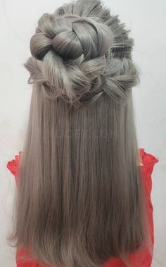 lange haare videos schnelle dutt Simple and beautiful Meatball head hairstyle. Let's try it Party Hairstyles For Long Hair, Homecoming Hairstyles, Braided Hairstyles, Grad Hairstyles, Hair Upstyles, Long Hair Video, Hair Videos, Hair Looks, Hair Lengths