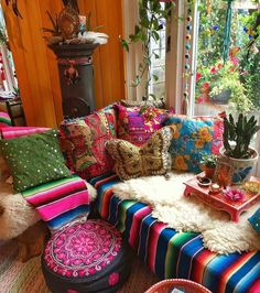 Transforming the house look in bohemian style is not a difficult task. Add different colors at one place and mix various patterns with them in the form of cushions, different rugs, and sofa covers. Locate some vintage style accessories and give the color of bohemian decor to your home sweet home.
