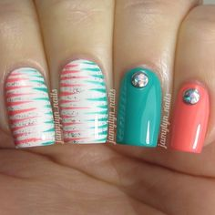 """""""I love this color combo! Some simple, but fun, #nailart today! I used @chinaglazeofficial #petaltothemetal and @bornprettystore's 'Star Green' for this,…"""""""