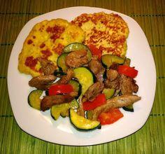 Zabpelyhes túrós puffancs (paleo változatban is! Zucchini, Favorite Recipes, Meals, Vegetables, Paleo, Food, Meal, Veggies, Essen