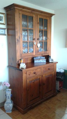 BEAUTIFUL PINE HUTCH 2 Pc