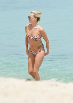 Very Fearne Cotton Swimsuits, Bikinis, Swimwear, Fearne Cotton, Wallpaper Maker, Red Nose Day, Girl With Sunglasses, Female Actresses, Celebs