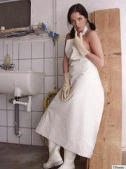 Latex Uniform, Plastic Aprons, Pvc Apron, Shiny Days, Rubber Gloves, Latex Gloves, Cleaning Gloves, White Apron, Staff Uniforms