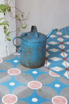 Pink and blue concrete tiles | More photos http://petitlien.fr/carreauxciment