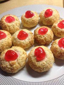 ΜΑΓΕΙΡΙΚΗ ΚΑΙ ΣΥΝΤΑΓΕΣ: Γλυκάκια με ινδοκάρυδο στο τσάκ μπάμ !!! Greek Sweets, Greek Desserts, Greek Recipes, Biscuits, Cheesecake, Deserts, Muffin, Food And Drink, Ice Cream