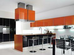 orange Küchenschränke Abzugshauben schwarze Einbaugeräte