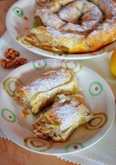 Nu mai e nici un secret ca eu sunt indragostita iremediabil de toate deserturile […] Romanian Food, Romanian Recipes, Sweets Recipes, Desserts, Sweet Memories, Apple Pie, French Toast, Food And Drink, Vegan